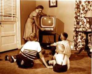 old_tv_set_family_2