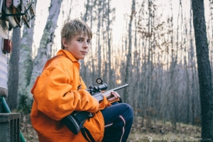Blaze-Orange-Young-Boy-Hunter-Portrait-Edgewater-WI(pp_w996_h664)